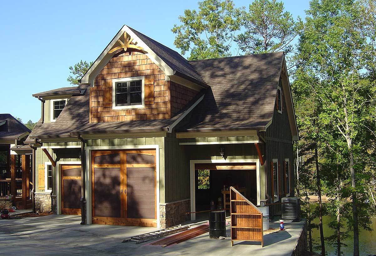 Two-Story 1-Bedroom Rustic Carriage Home with Living Above