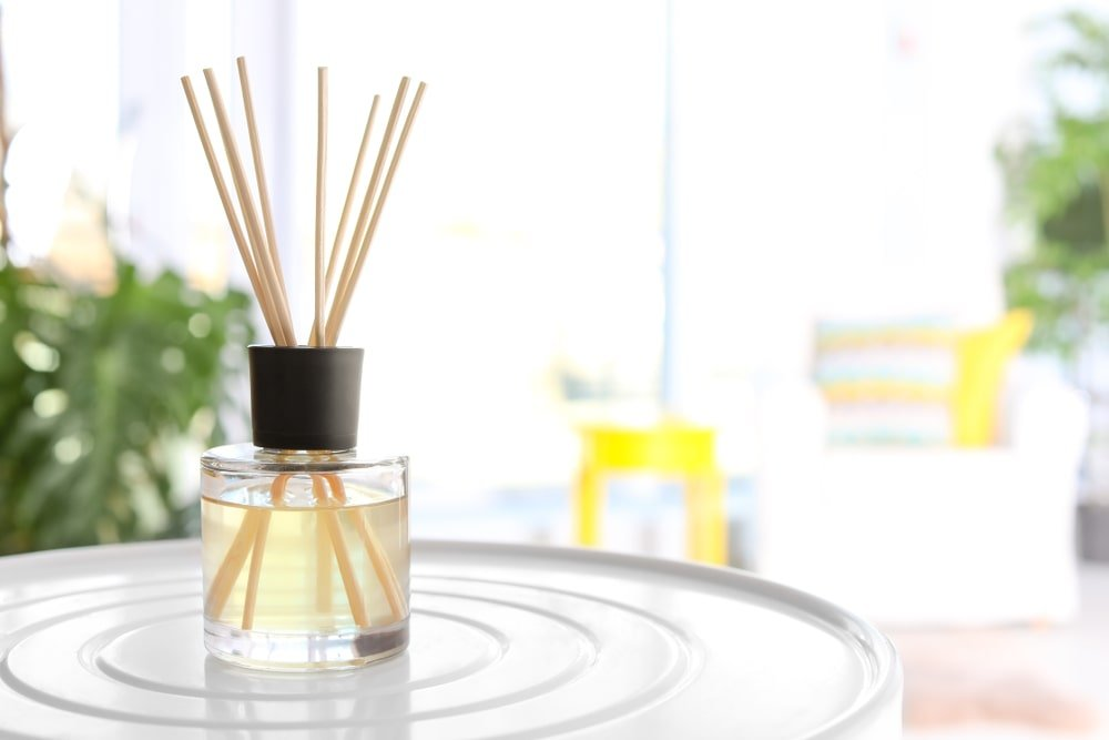 A small look at an evaporative air freshener that uses reeds.