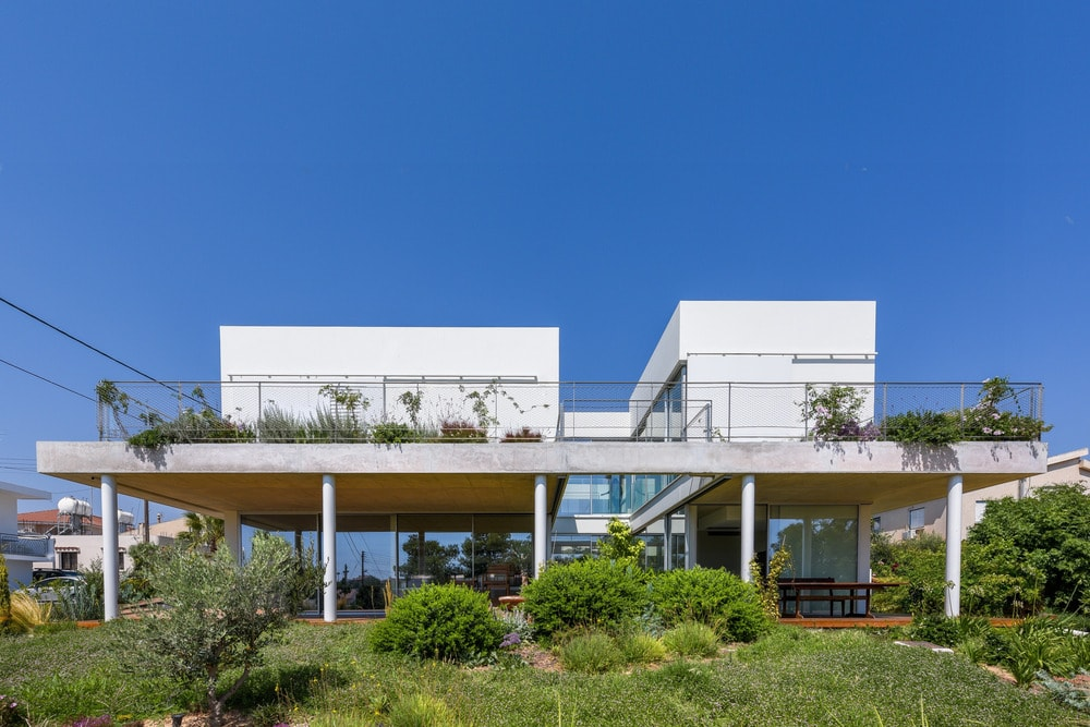 The Garden House in the City by christos pavlou architecture