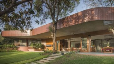 The Verandah House by Arpan Shah (Modo Designs)