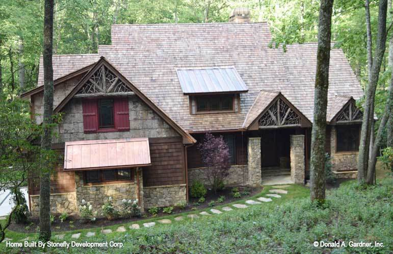 3-Bedroom Single-Story The Foxford Cabin