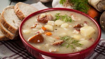 A bowl of creamy potato soup.