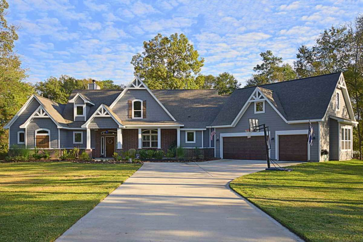 Two-Story 5-Bedroom Craftsman Home with a Loft