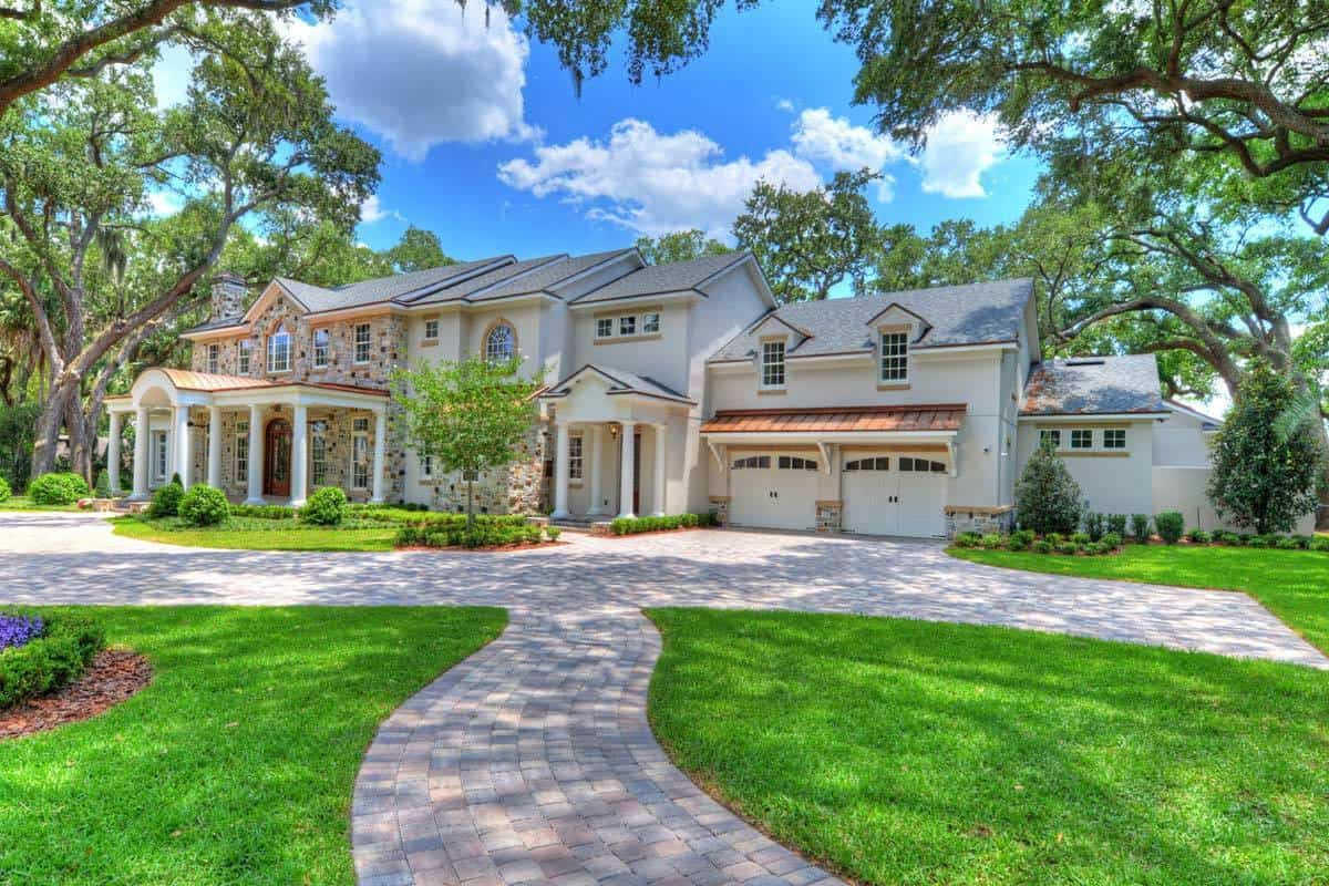 Two-Story 5-Bedroom Palatial Traditional Home with a Wide Balcony