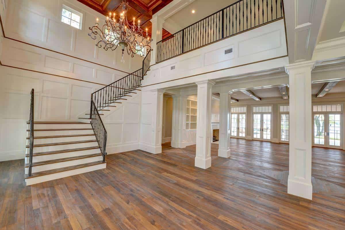 White interior columns define the rooms in the main level of the house.White interior columns define the rooms in the main level of the house.