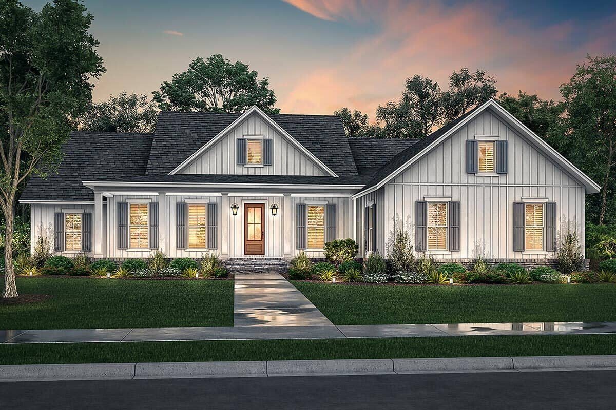 4-Bedroom Single-Story Modern Farmhouse with Double Garage