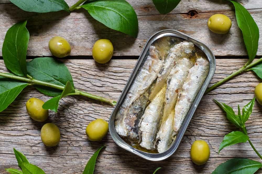 Sardines preserved in olive oil.
