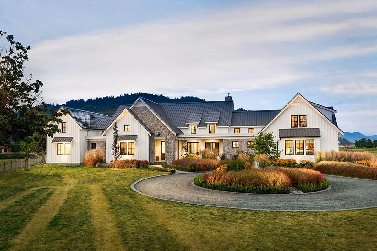 Two-Story 3-Bedroom Exclusive Modern Farmhouse with Triple Garage