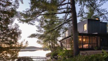 Cottage on the Point by Paul Bernier Architecte