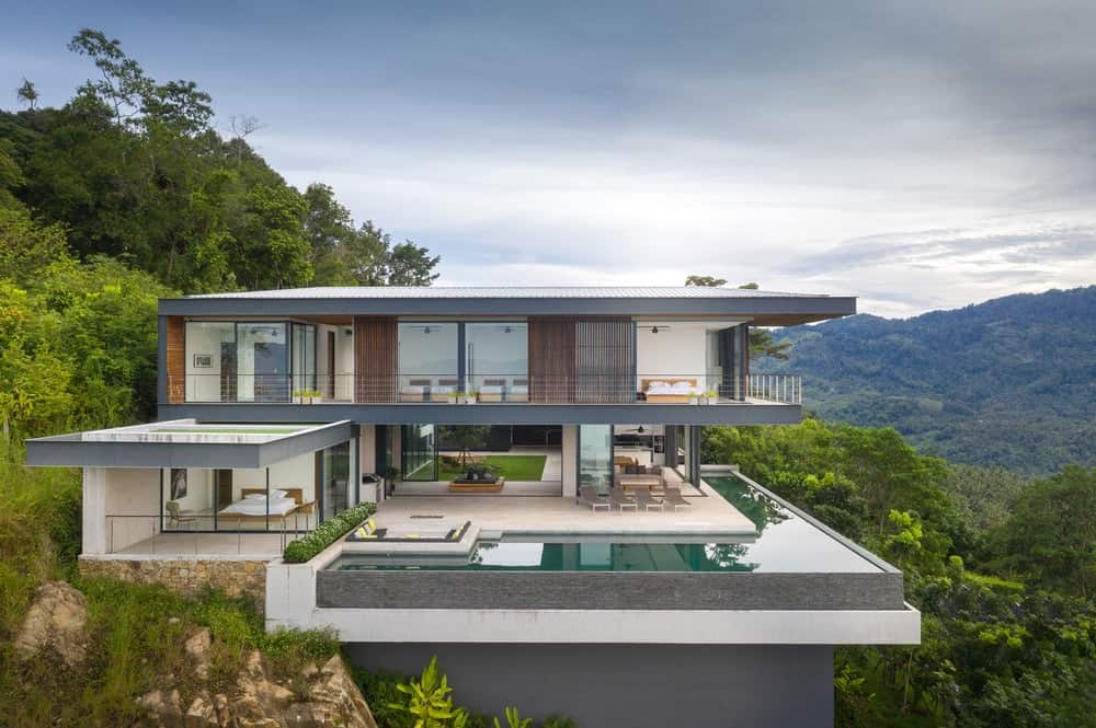 Adrisa Residence (Panoramic Cantilevered Villa) by OfficeAT