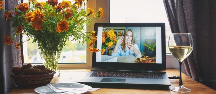 A virtual Thanksgiving with wine.