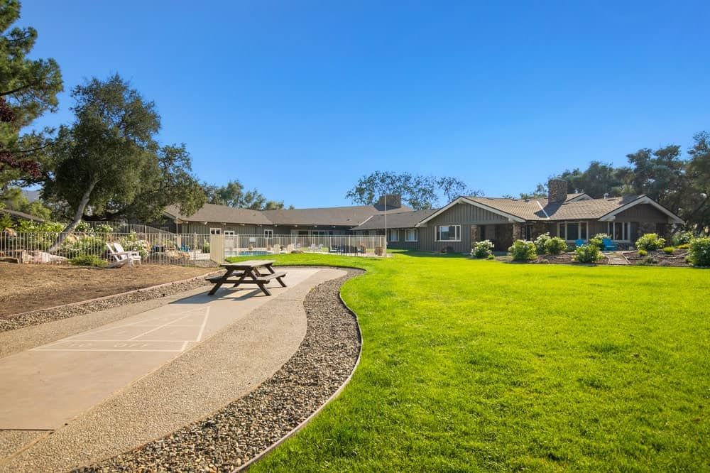 This is the recreational area that various amenities including this picnic area by the large grass lawn. Image courtesy of Toptenrealestatedeals.com.