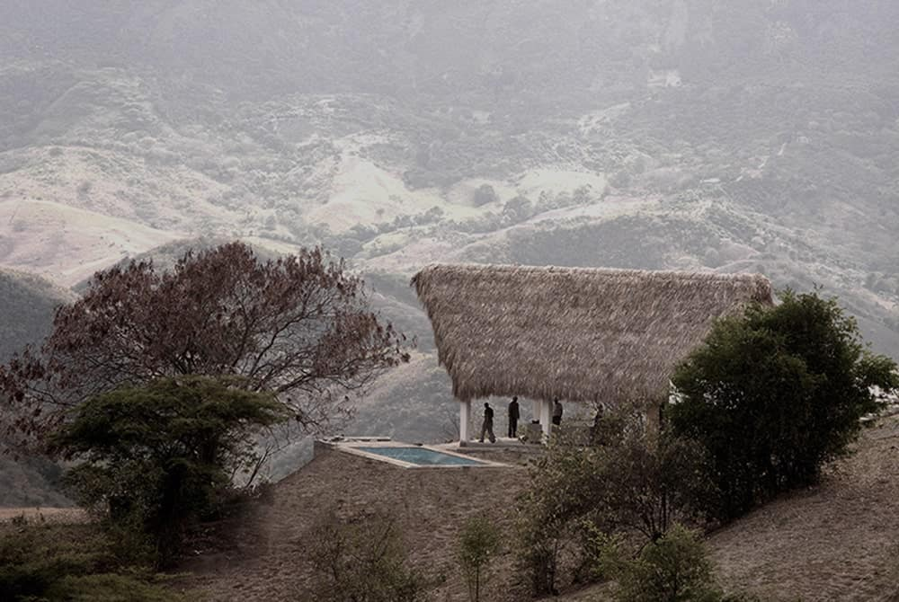 CLAP - House in Apulo by AGRA Arquitectos
