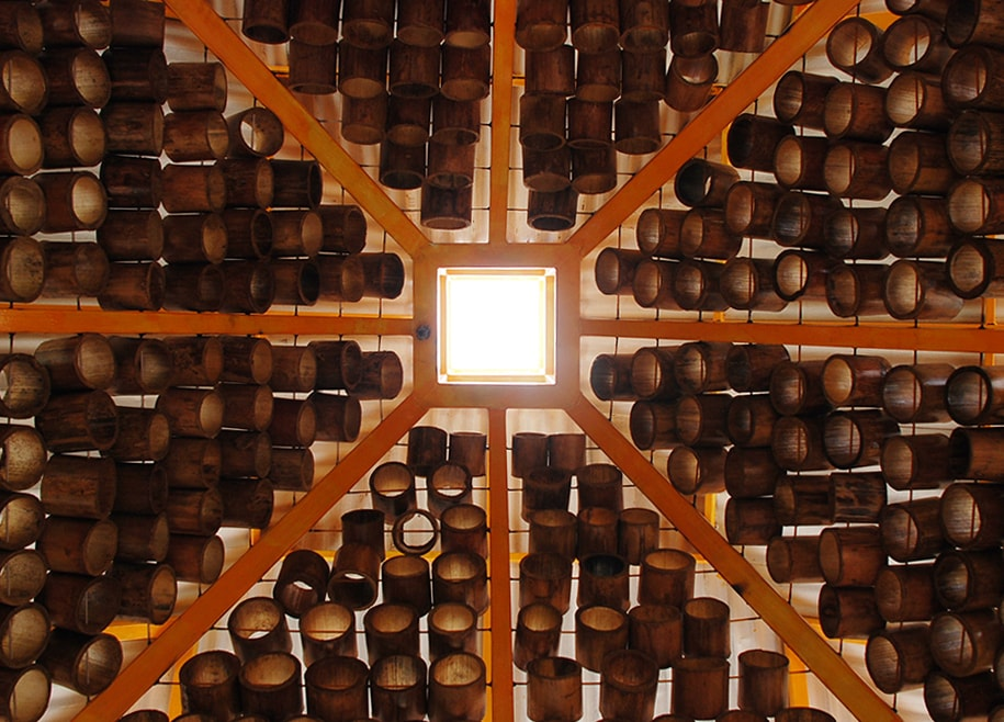 The bamboo panels can also be seen on the ceiling giving it a unique aesthetic.
