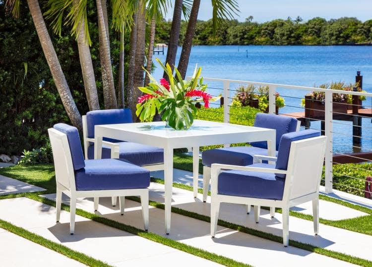 Century outdoor dining set