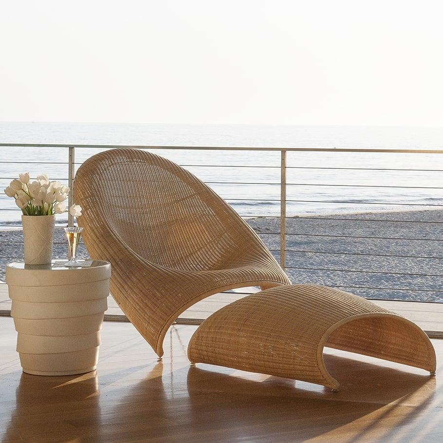 Janus et Cie Fibonacci Anda lounge chair