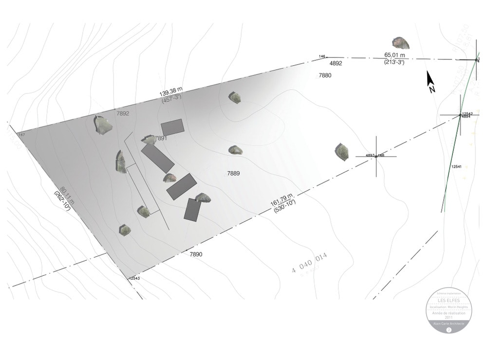 This is an illustration of the schema implantation for the house and its surrounding landscape.