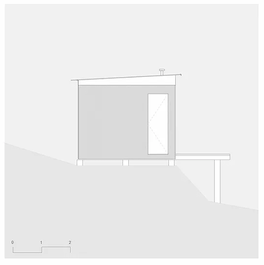 This is an illustration of the side elevation of the house showcasing the support pillar.