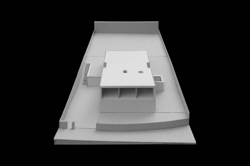 This is a 3D representation of the house featuring its elevation and sections.