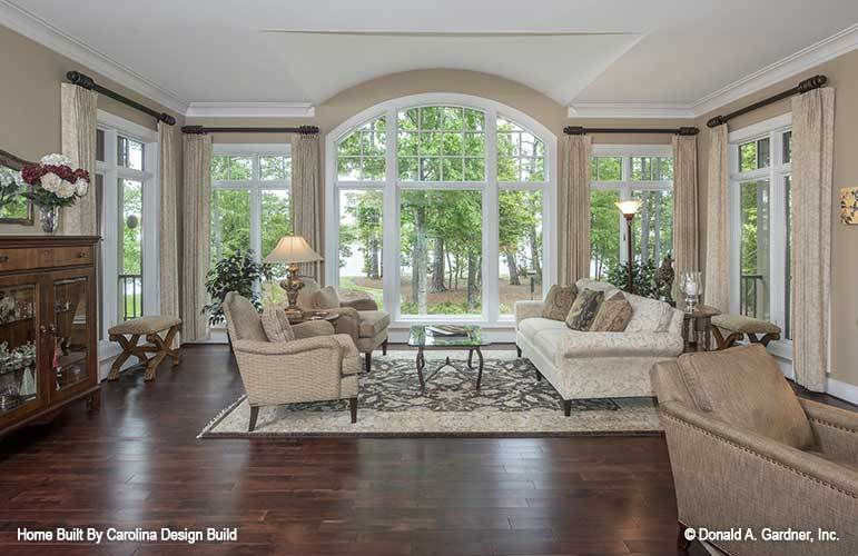 Clerestory windows in the living room bring in an ample amount of natural light.