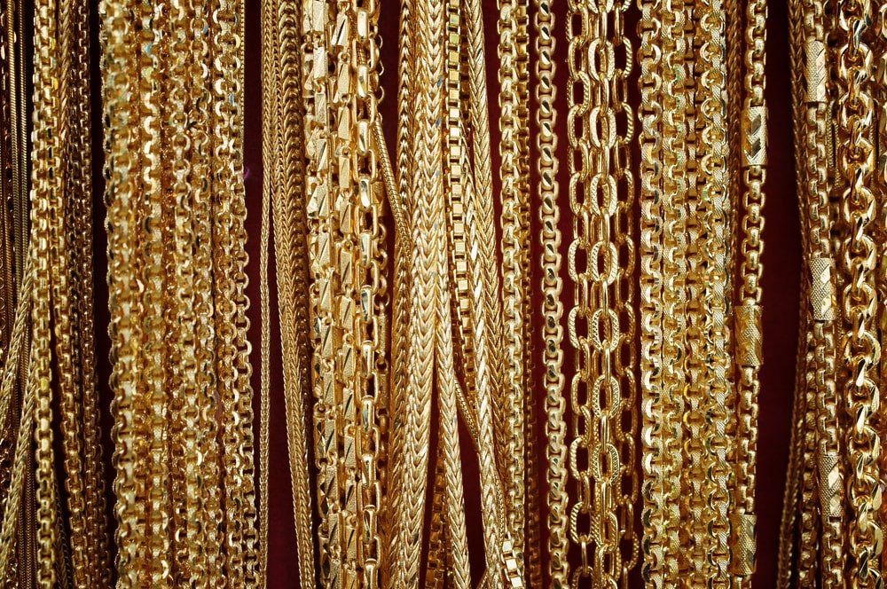 This is a close look at various golden chains.