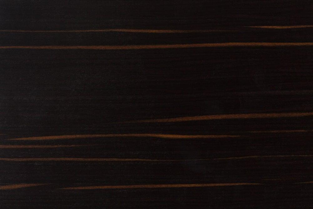 A close look at the ebony wood grains.