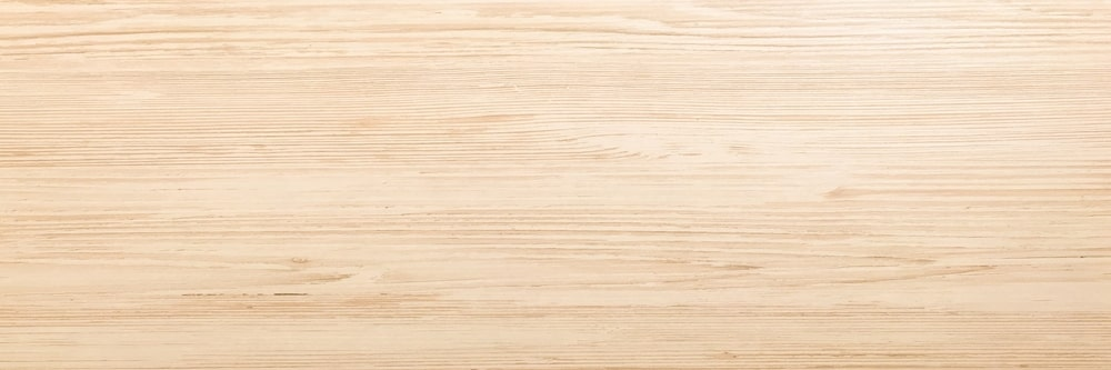 A close look at the white oak wood grains.