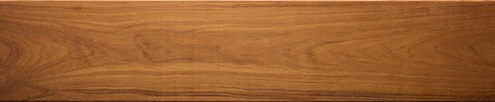 A close look at the teak wood grains.