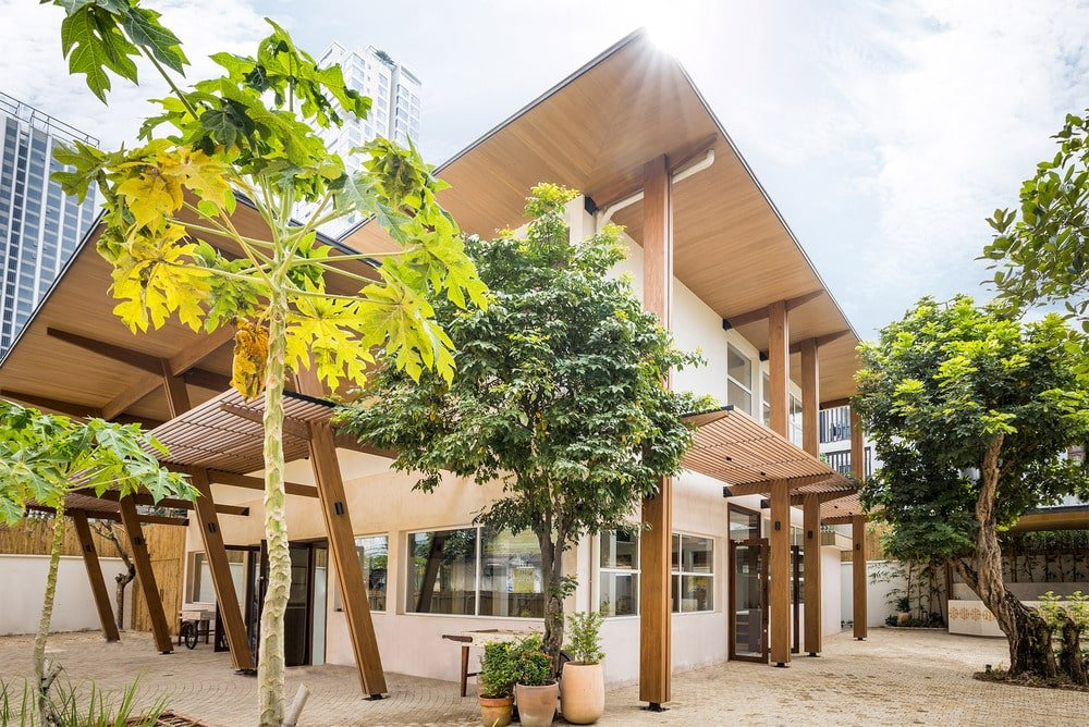 Villa Renovation in Saigon by T3 Architects