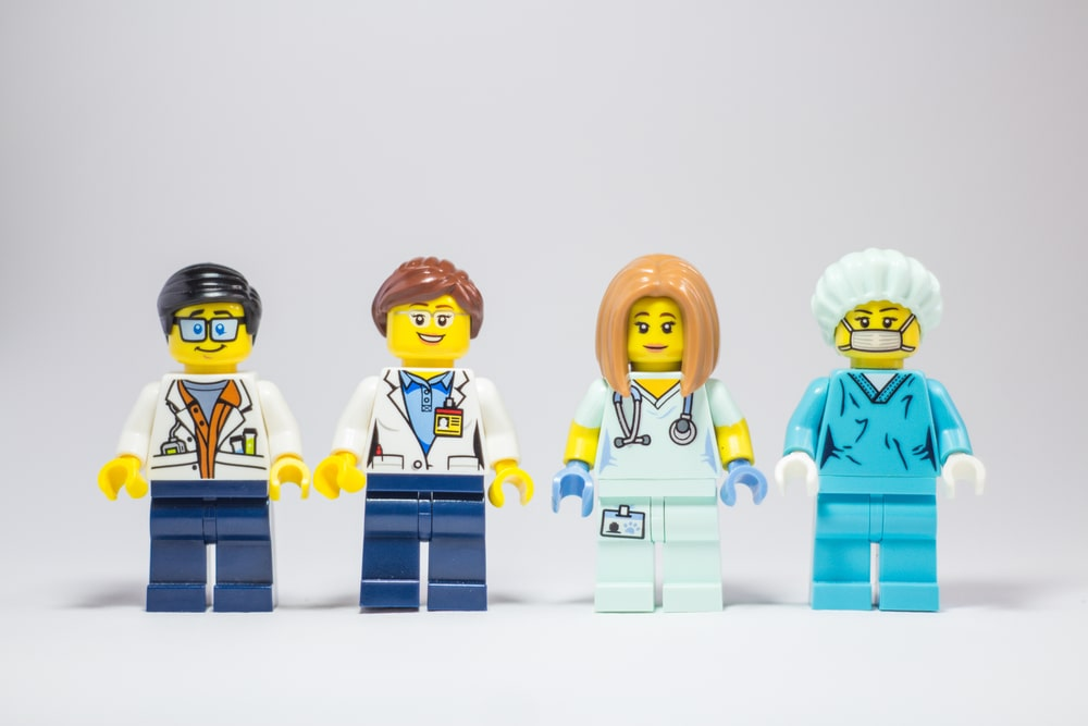 LEGO pieces made to look like medical professionals.