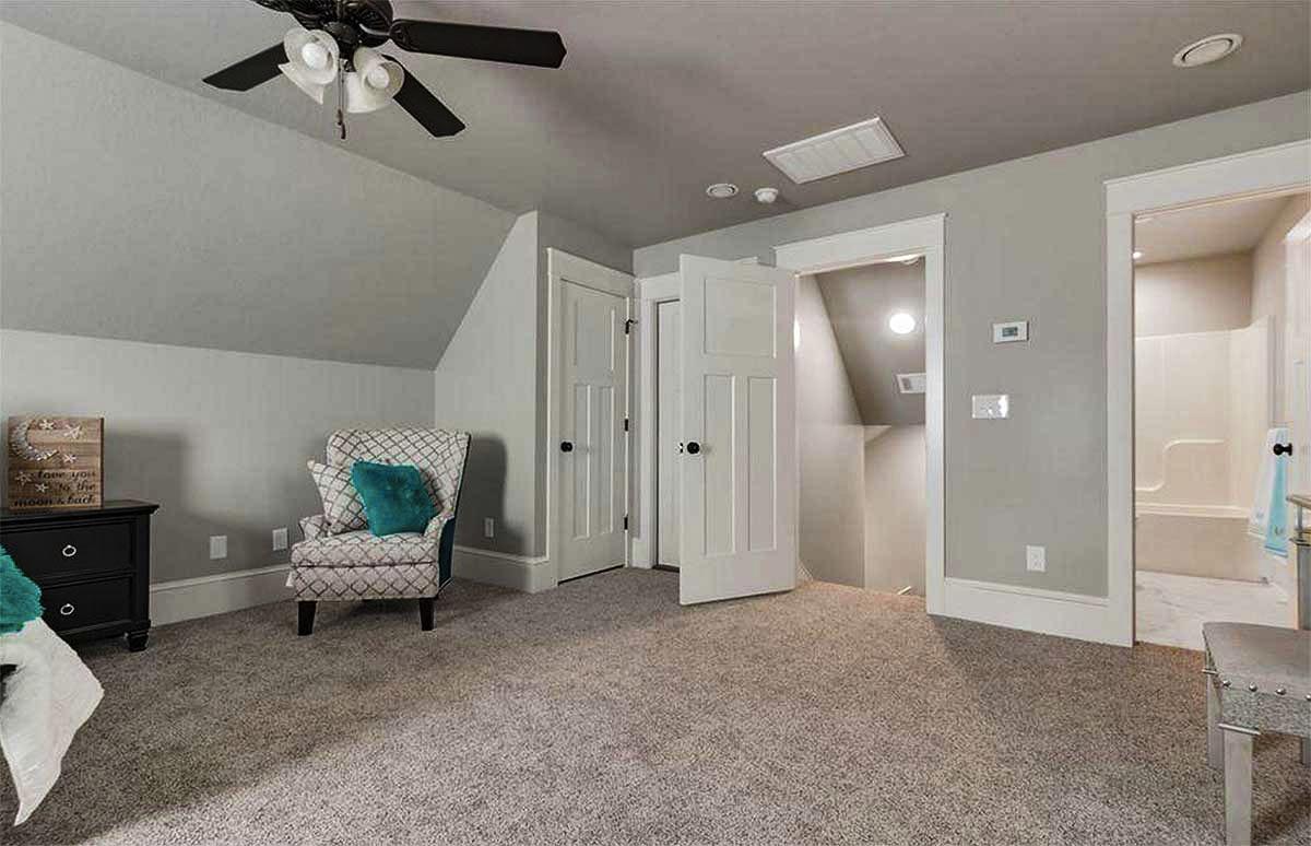 The bonus room includes a closet and a private bathroom.