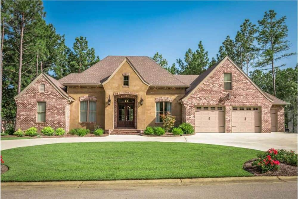 Single-Story 3-Bedroom Country Home with Double Garage and Upstairs Bonus Room