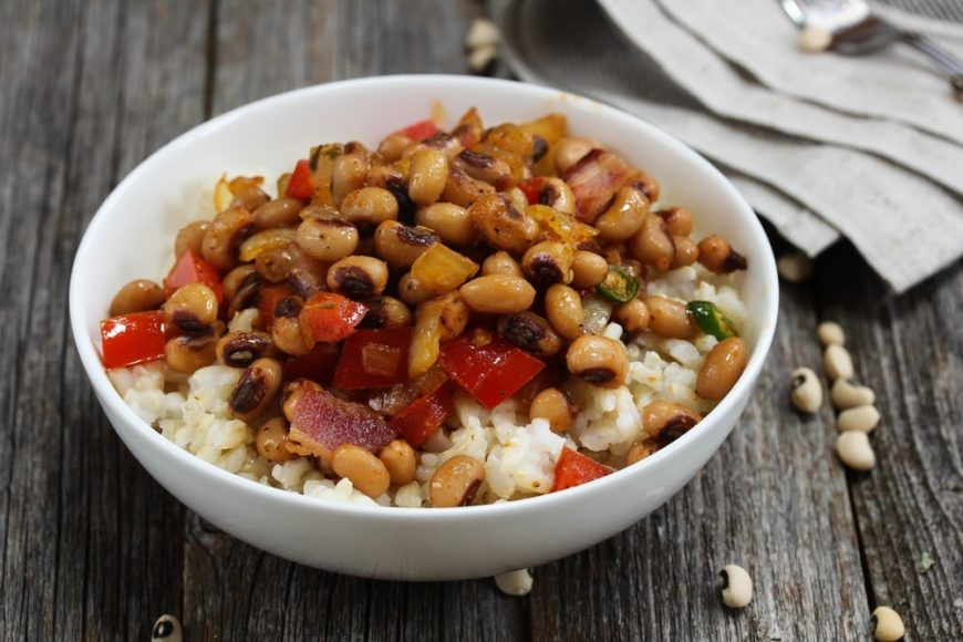A bowl of fresh Southern-style blackeyed peas.