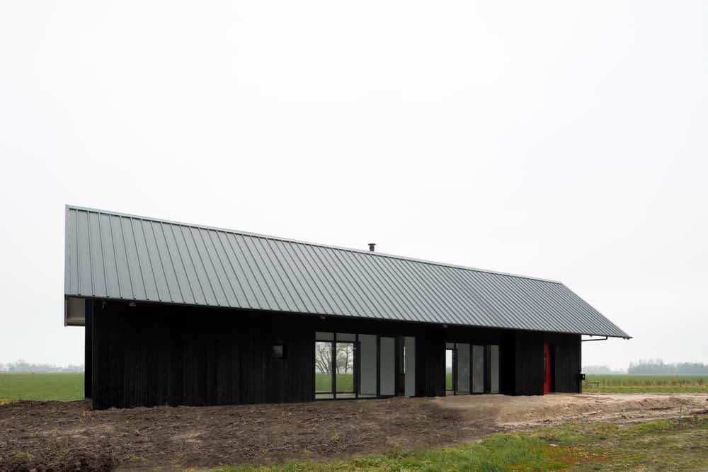 Barn in Spierdijk by Kevin Veenhuizen Architects