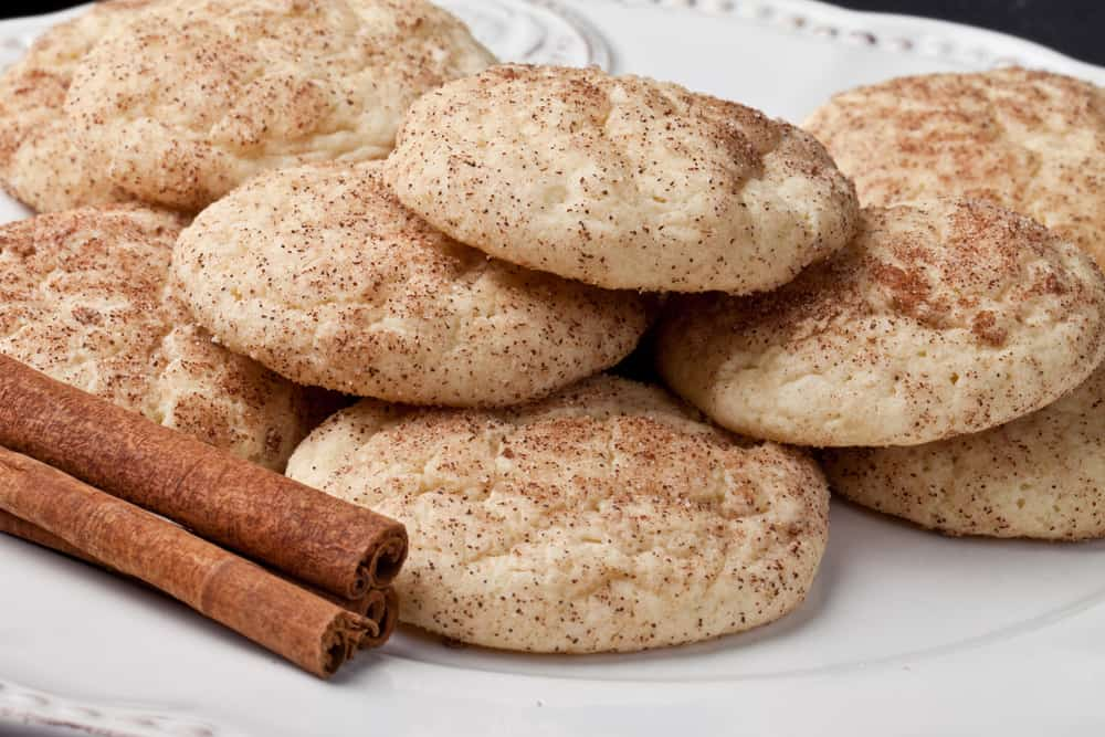 A plate of cinnamon snickerdoodle cookies.