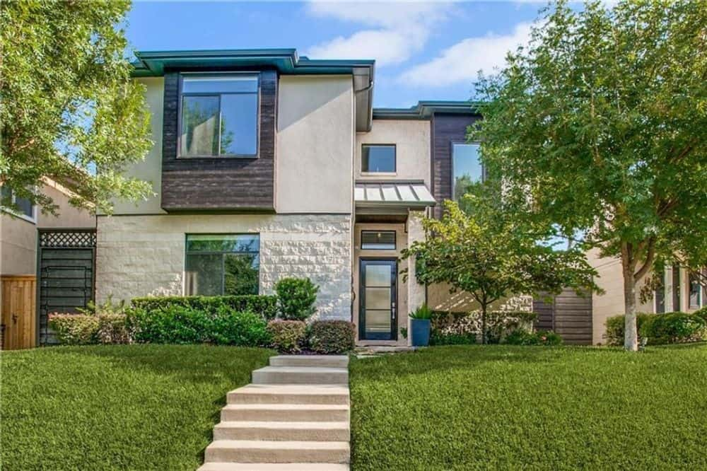 Two-Story 3-Bedroom Luxury Contemporary Home for a Narrow Lot with Balcony and Game Loft