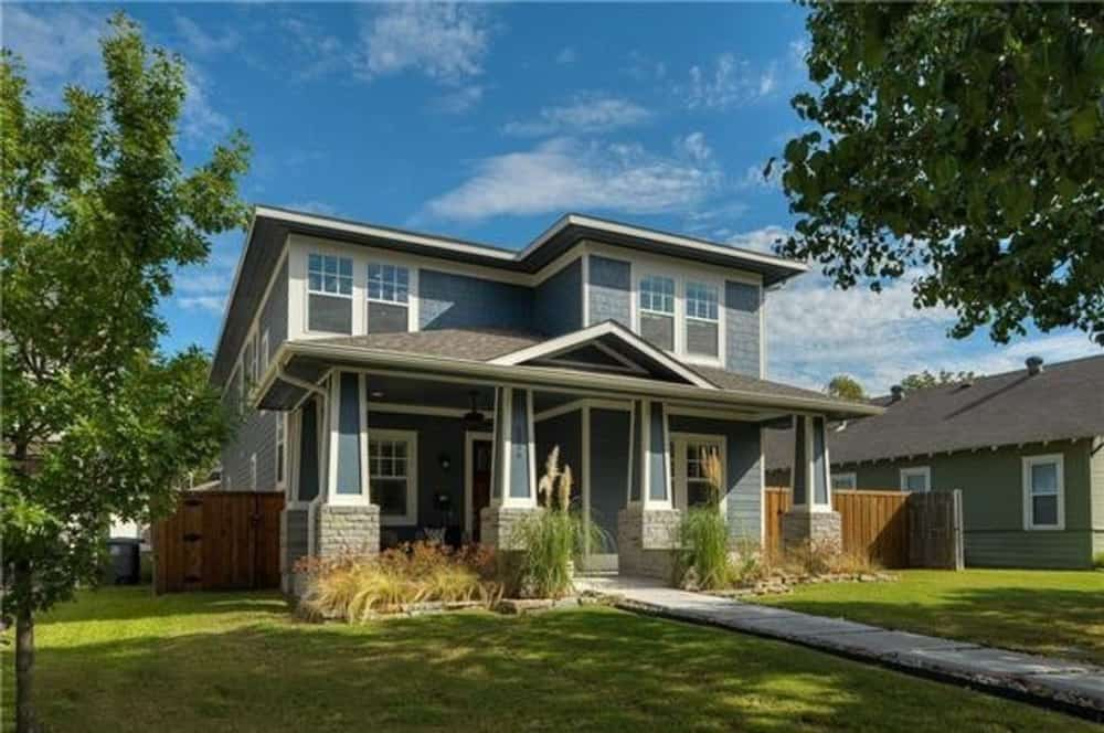 3-Bedroom Two-Story Southwestern Home for a Narrow Lot with Loft and Balcony