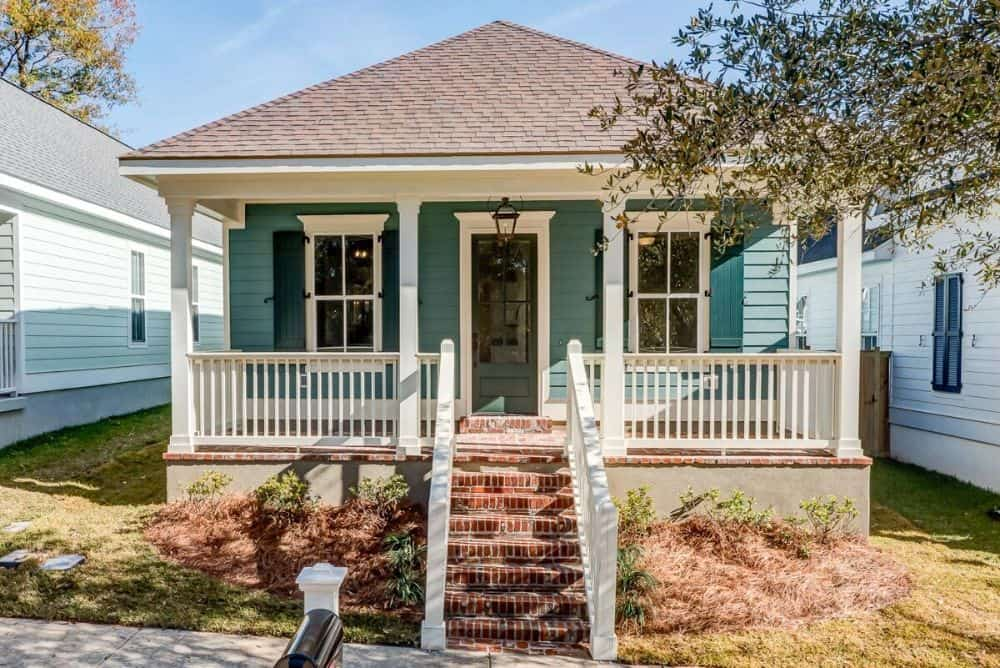 3-Bedroom Single-Story Cottage Style Home for a Narrow Lot with Rear Garage