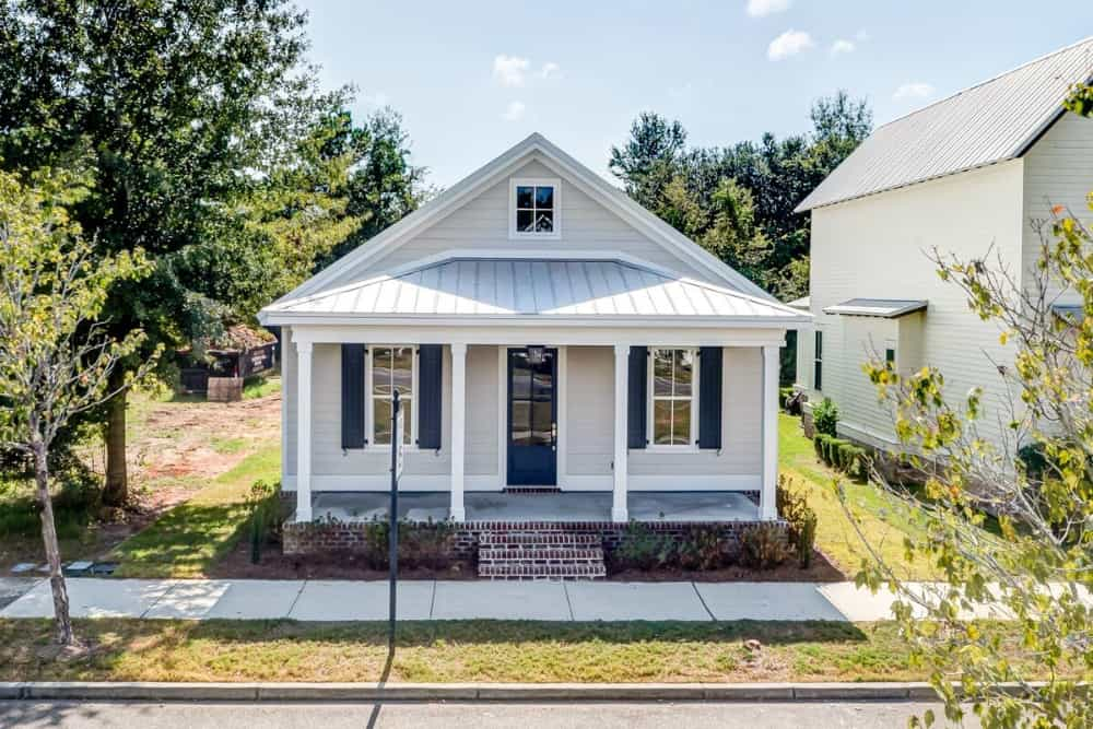 Single-Story 3-Bedroom Cottage for a Narrow Lot with Open Floor Plan and Rear Garage