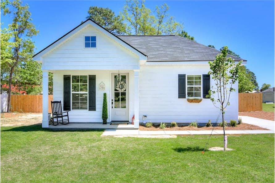 3-Bedroom Single-Story Country Style Ranch for a Narrow Lot with Open Concept Living