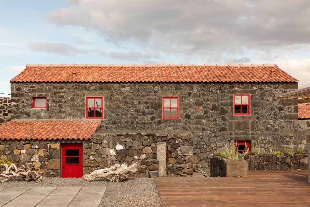 Adega do Fogo Holiday Home by Diogo Mega Architects