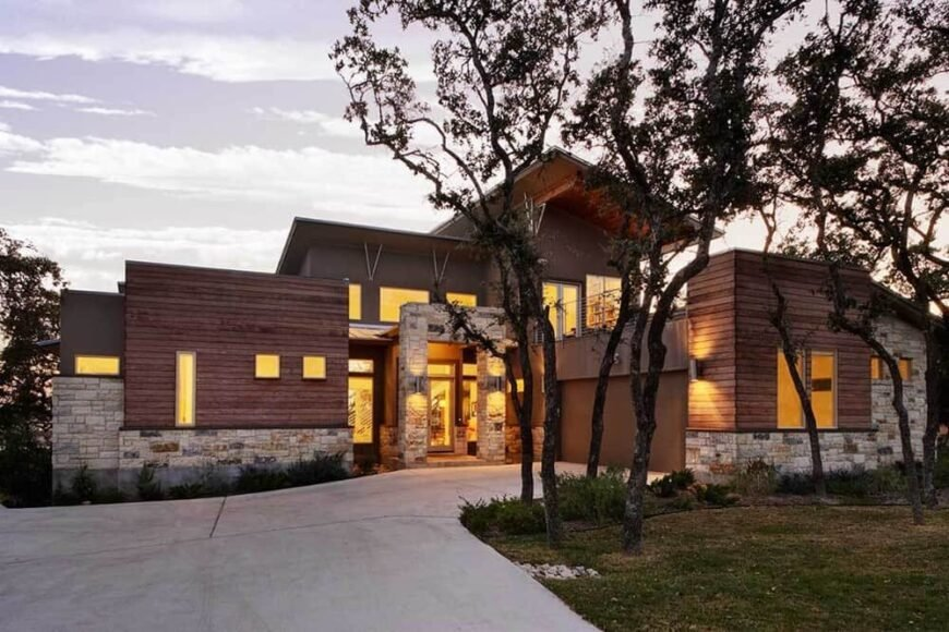 Modern 3-Bedroom Two-Story Home with a Loft and Rooftop Deck